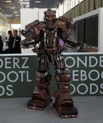 Giga Robot