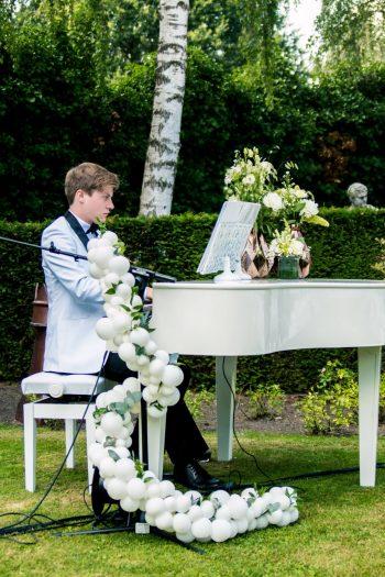 Mr Piano